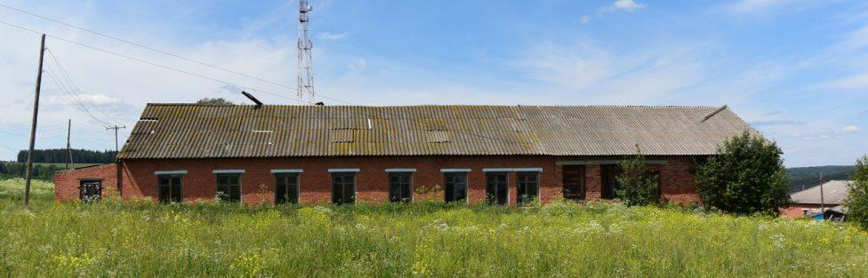 Здание бывшего детсада в д. Тюш